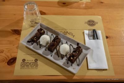 Locanda del West Chiaravalle Cucina Messicana Tortino Cioccolato Gelato Vaniglia